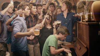 """Campanha """"A bebedeira passa, o resto não"""" – Rapaz"""